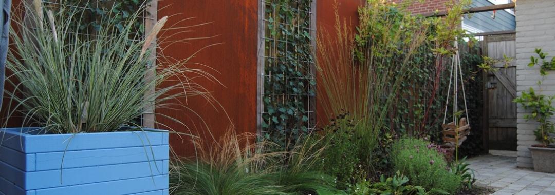 Cortenstaal in de tuin - hoveniersbedrijf Van der Waal Tuinen