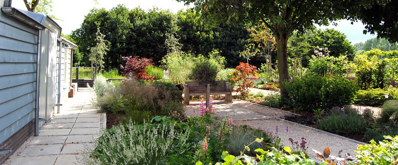 Tuinontwerp en tuinaanleg Van der Waal Tuinen slider