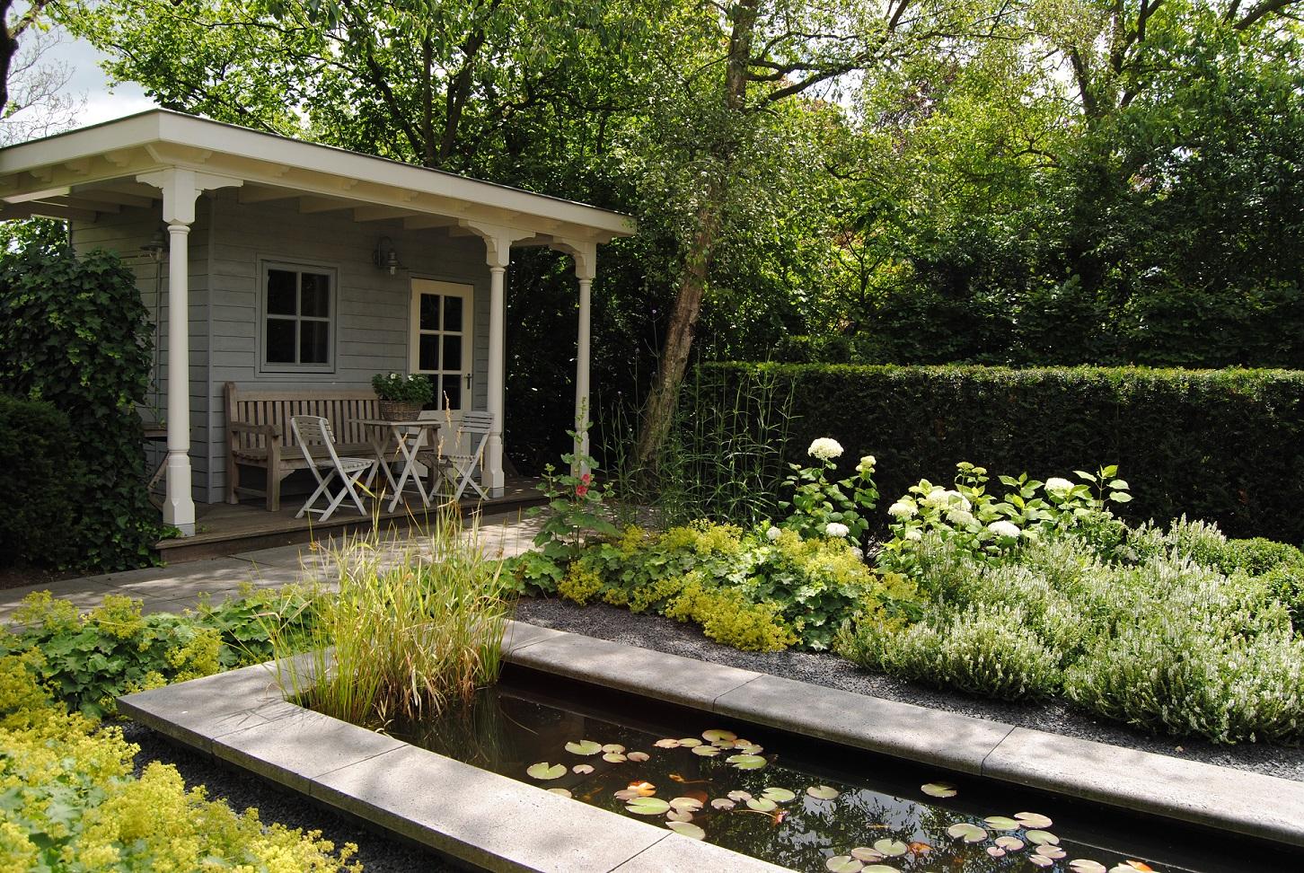 Tuinaanleg landelijke tuin in Oud-Beijerland - Hoveniersbedrijf Van der Waal Tuinen