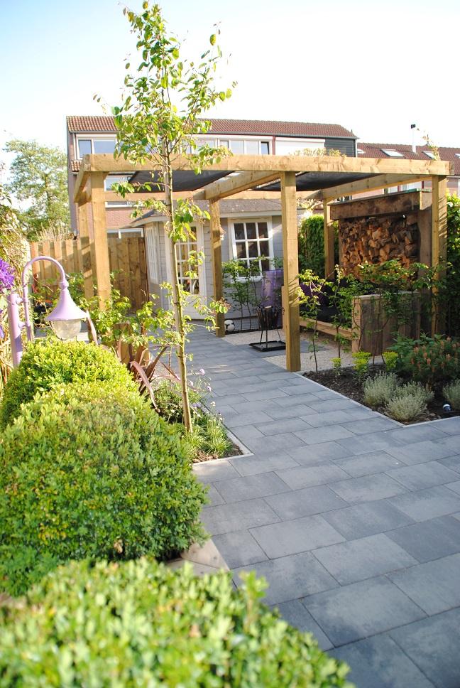 tuinontwerp kleine tuin in piershil van der waal tuinen