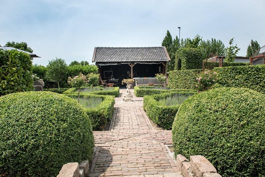Tuinaanleg Franse boerderijtuin Piershil - Hoeksche Waard - Van der Waal Tuinen